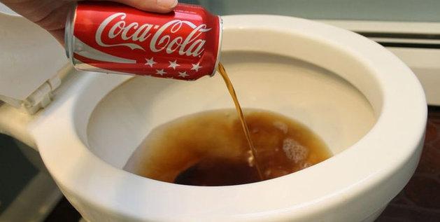 Afbeeldingsresultaat voor coke toilet